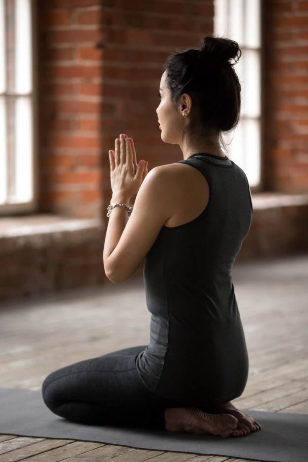 vajrasana-posture-yoga